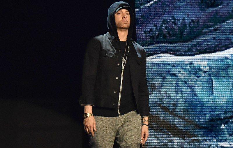 """Eminem se transforma em simbionte no clipe de """"Venom"""". Assista"""