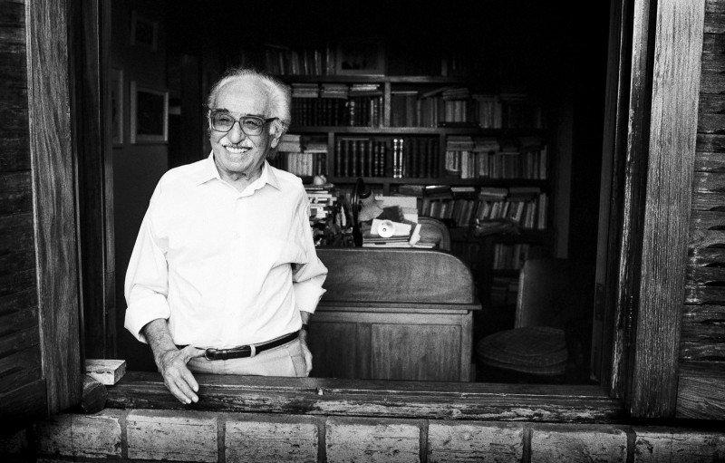 Manoel de Barros ganha exposição no Itaú Cultural em SP