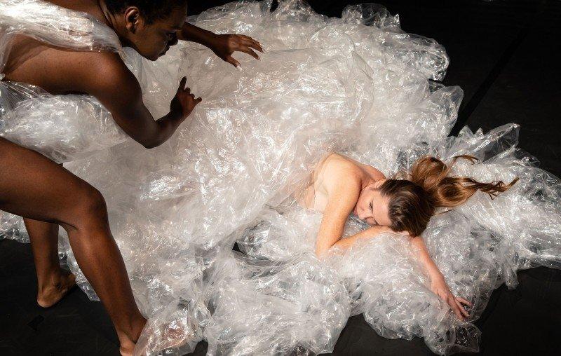 """""""Migrações"""" uma ópera performática acontece no Sesc Copacabana"""