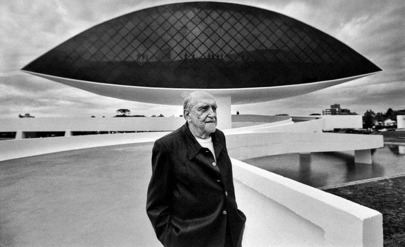 """Mostra """"Oscar Niemeyer – Territórios da Criação"""" chega ao Instituto Tomie Ohtake"""