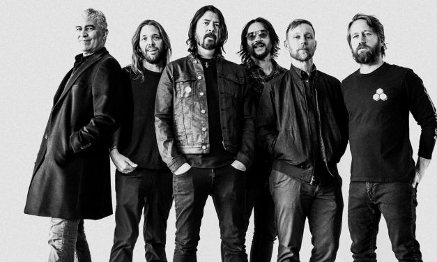 "Foo Fighters lança clipe reflexivo de ""Waiting On a War"""