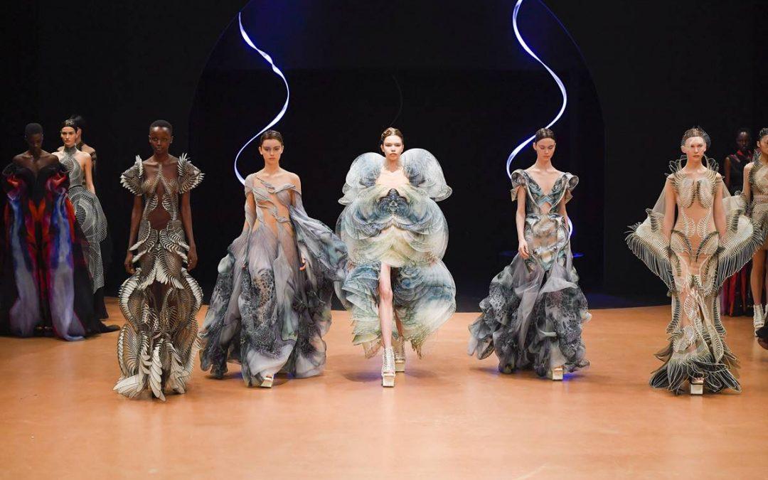 Alta Costura – Diversidade na semana de moda francesa mostra sua evolução no tempo