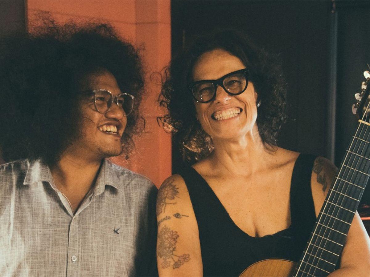 """Zélia Duncan divulga seu novo single """"Beijos Longos"""". Ouça"""