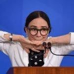 Regina Duarte revolta seguidores ao questionar eficácia da vacina contra a COVID-19