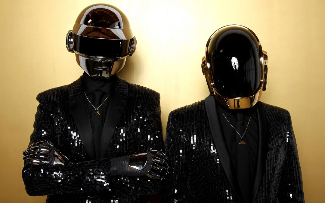 Após 28 anos, Daft Punk anuncia fim da dupla eletrônica