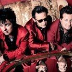 """Green Day divulga clipe aeróbico de """"Here Comes the Shock"""""""