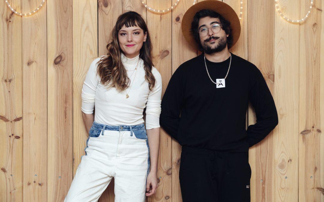 """Zeeba e Mallu Magalhães lançam """"Só Pensando em Você"""""""