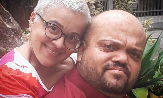 PRISCILA MENUCI E LEONARDO COLEN DRIBLAM BARREIRAS DO NANISMO E CONSOLIDAM CASAMENTO DURADOURO