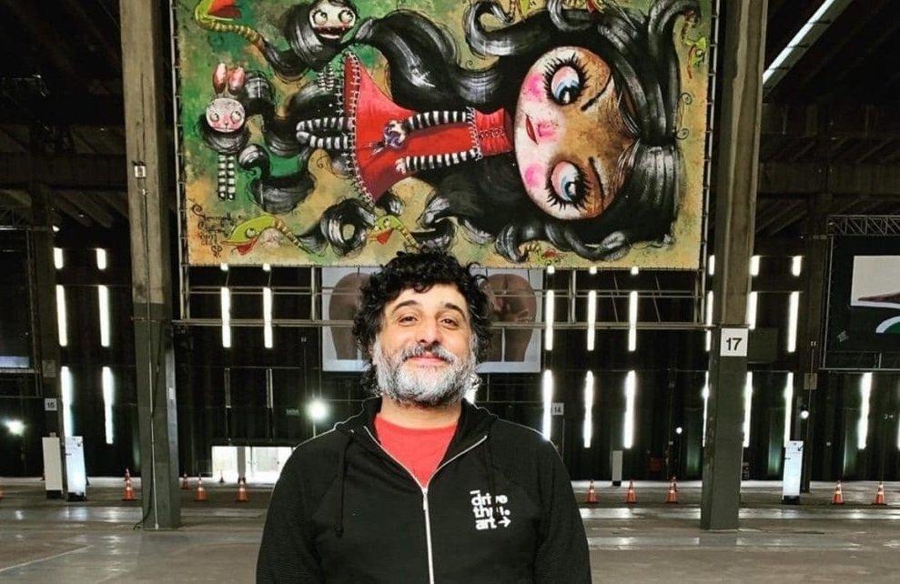 """HOMENAGEM – """"RELÍQUIAS"""" TRAZ RECORTE INACABADO DO ARTISTA VERMELHO STEAM NO CENTRO CULTURAL SÃO PAULO"""